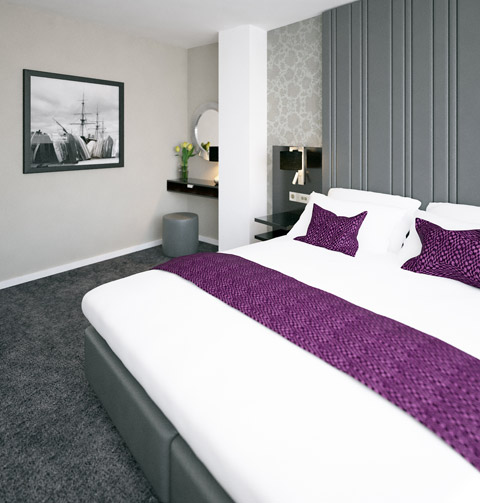 deluxe studio serviced apartment docklands